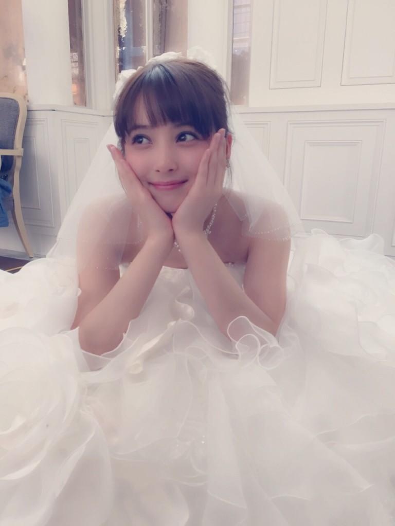 佐々木希のプロデュースウエディングドレス 結婚式にはどんなドレスを