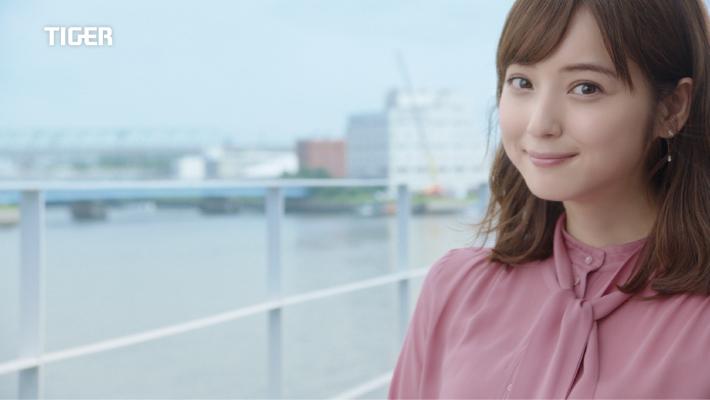 【佐々木希が夫婦で共演した待望のCM】8