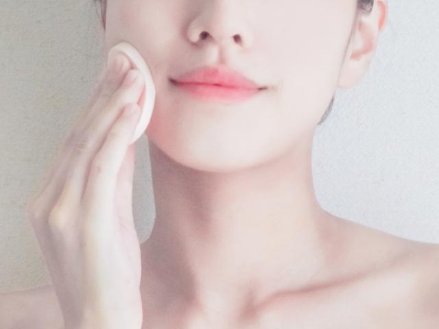 佐々木希がラベンダー色で美肌効果UP!1日中崩れないメイク方法も伝授