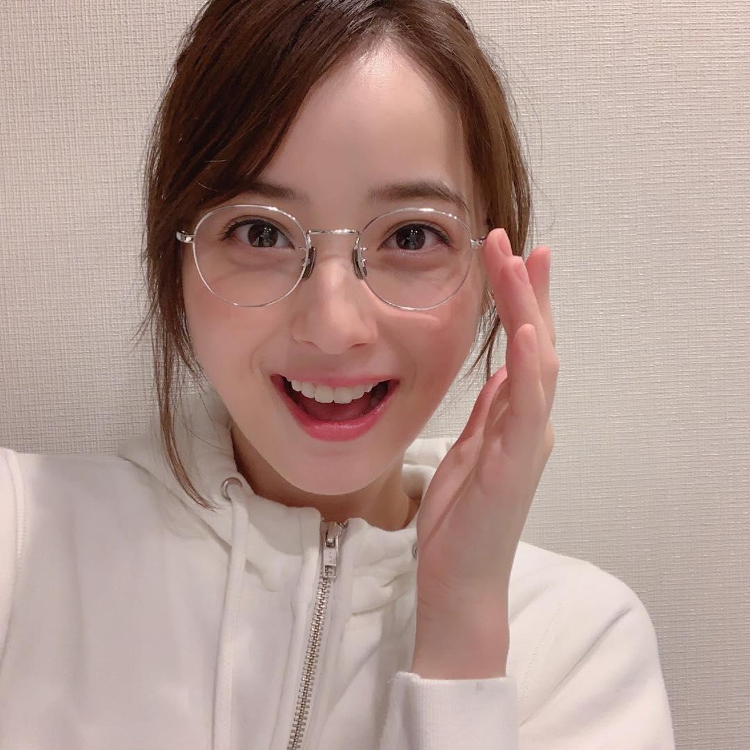 佐々木希のメガネ姿が可愛い!視力は悪い?それとも伊達メガネ?8