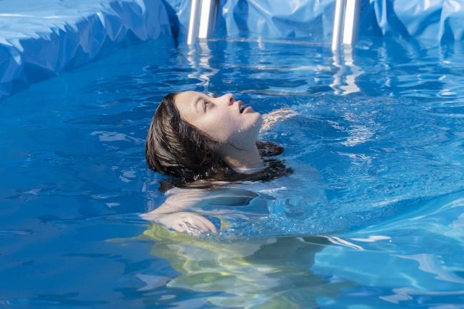 橋本環奈がずぶ濡れに!スプライトCMでの水に濡れた姿が美しいと話題に6