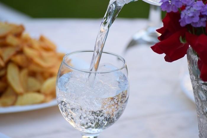 水の賞味期限と水出し麦茶の賞味期限とは?