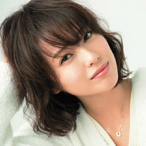 戸田恵梨香のミディアムロングパーマの髪型【やり方作り方】