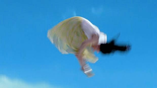 橋本環奈が宙返り&ずぶ濡れに!スプライトCMでの水に濡れた姿が美しすぎる1